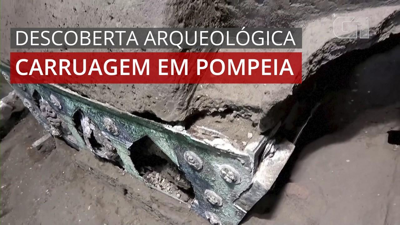 VÍDEO: arqueólogos descobrem carruagem antiga perto de Pompeia