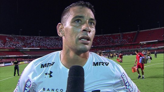 Diego Souza decide classificação do São Paulo e nega desabafo em comemoração