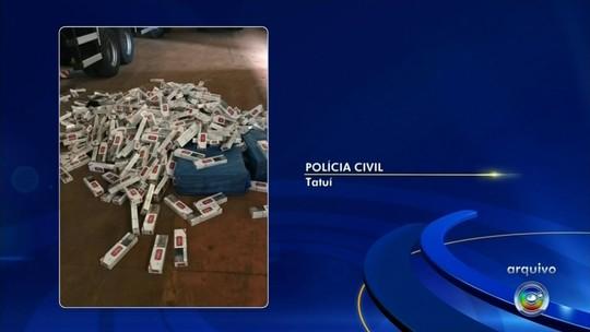 Motoristas são presos após polícia apreender mais de 700 caixas de cigarros contrabandeados em Capão Bonito