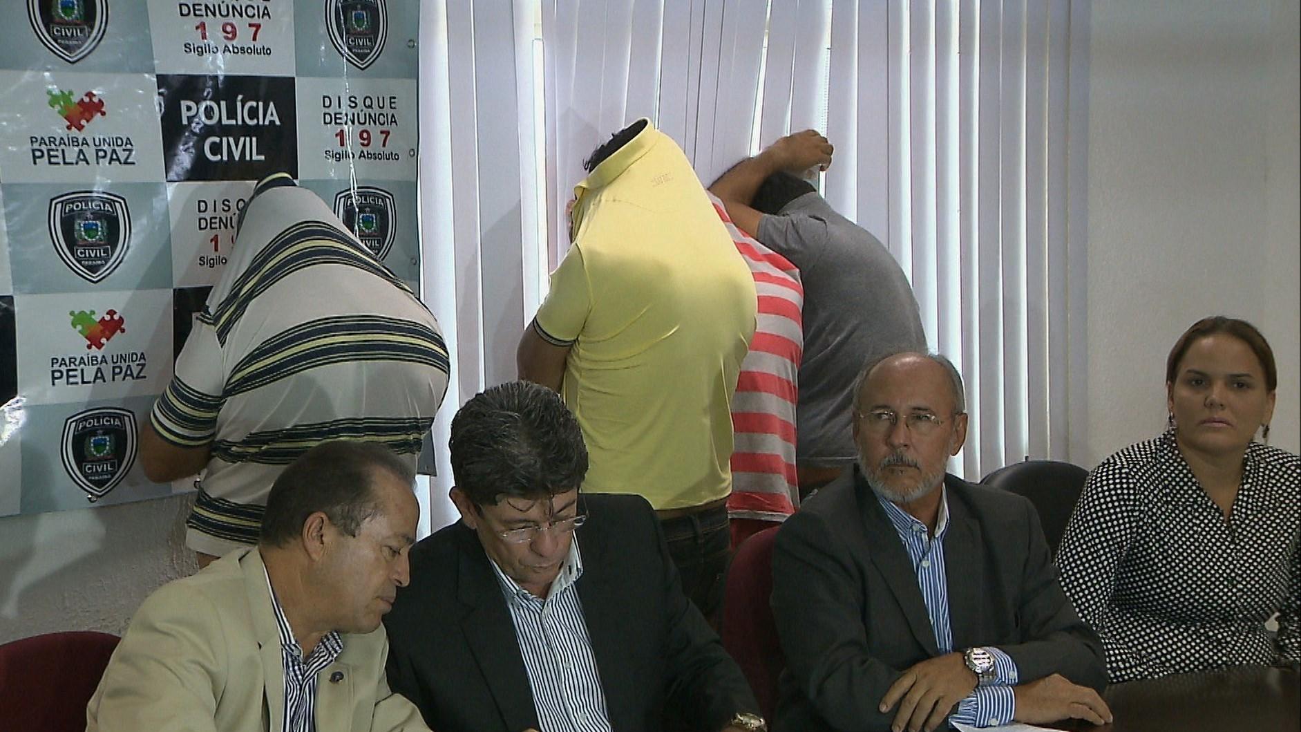 Professor da PB suspeito de chefiar grupo que roubava e vendia carros clonados é afastado - Notícias - Plantão Diário