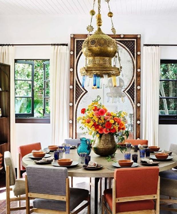 Sala de jantar da casa de Alessandra Ambrosio (Foto: Reprodução)