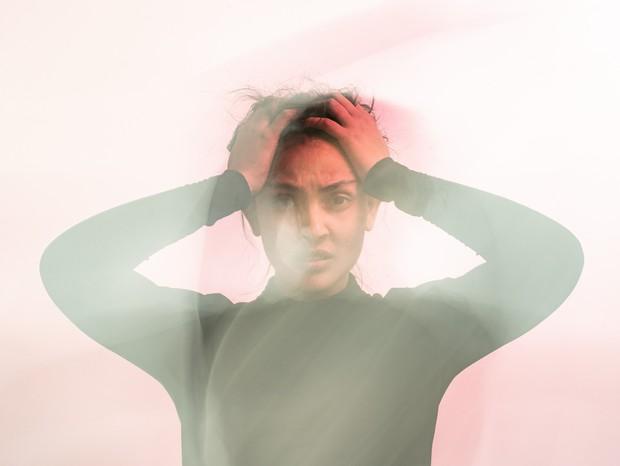 4 sintomas de ansiedade pouco conhecidos, mas muito comuns (Foto: Uday Mittal/Unsplash)