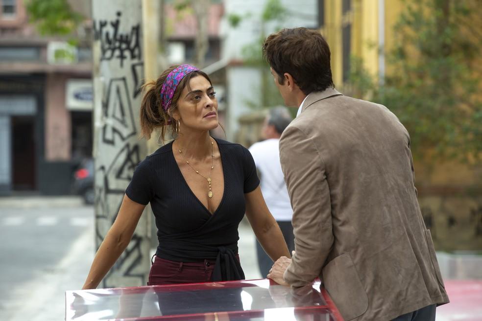 Maria da Paz (Juliana Paes) corta o assunto e pede o divórcio a Régis (Reynaldo Gianecchini), na novela  'A Dona do Pedaço' — Foto: Isabella Pinheiro/Gshow