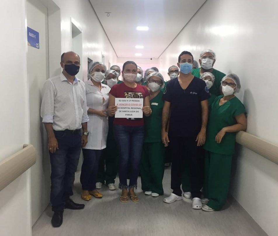 Primeira paciente recuperada da Covid-19 em Santa Luzia do Paruá comemora: 'Foi um presente de Deus'