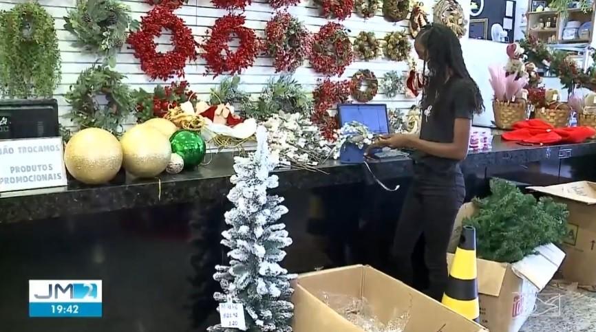 85% dos lojistas devem contratar funcionários temporários para o Natal em São Luís