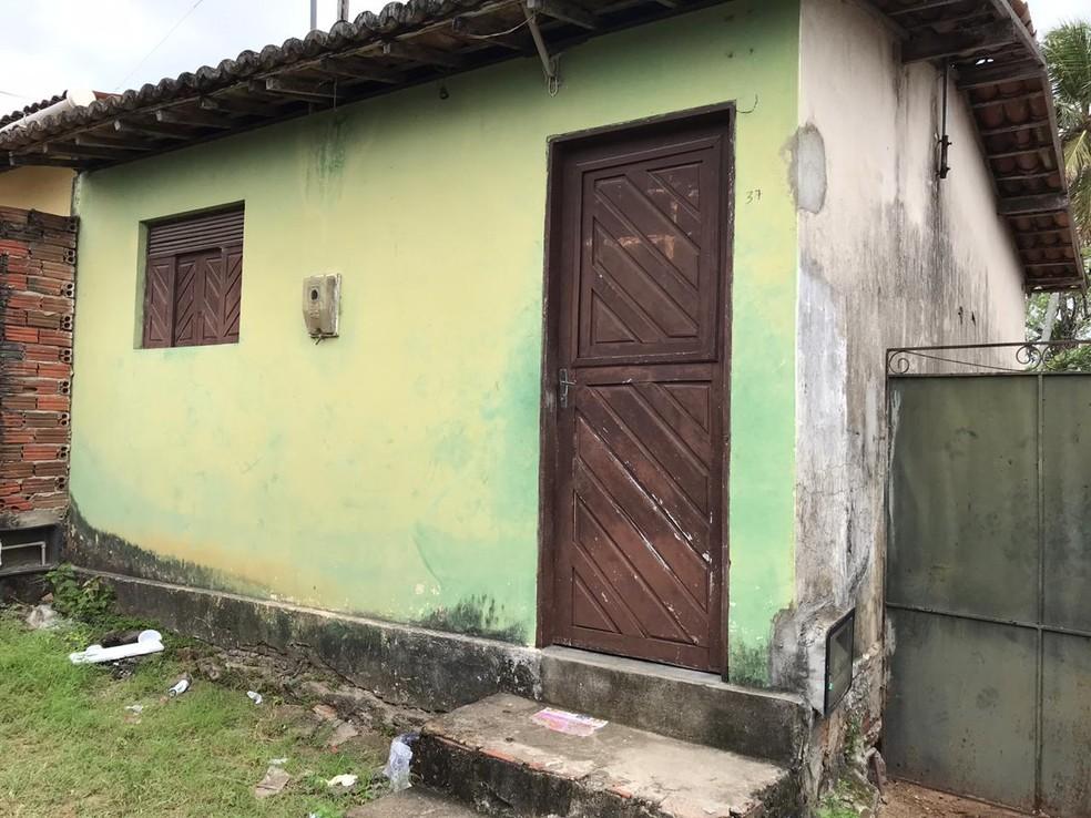 Casa em que o crime aconteceu, em São José de Mipibu, na Grande Natal — Foto: Ayrton Freire/Inter TV Cabugi