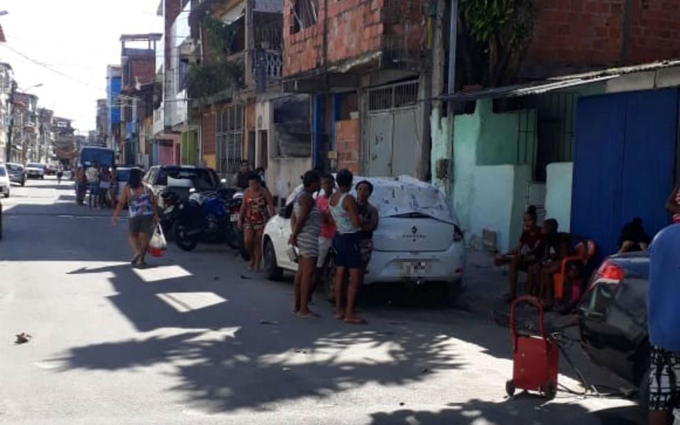 Homem é morto a facadas dentro de casa no bairro do Uruguai, em Salvador — Foto: Almir Santos/TV Bahia