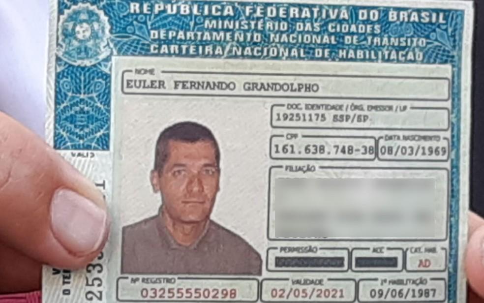A CNH de Euler Fernando Grandolpho, o atirador que matou quatro pessoas em Campinas — Foto: Daniel Mafra/EPTV