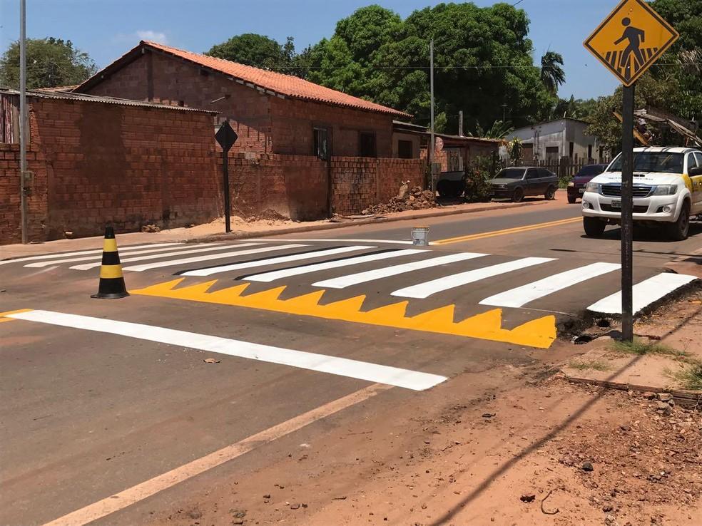 Faixas elevadas foram implantadas na Rua E, nos bairros Elcione Barbalho e Maracanã (Foto: Divulgação/Prefeitura de Santarém)