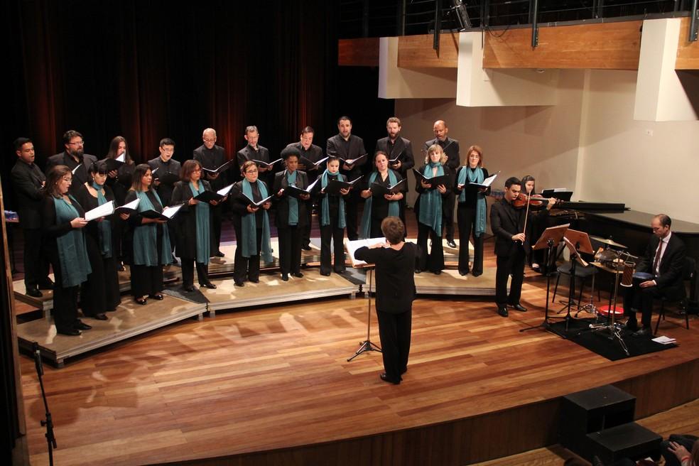 As peças sacras selecionadas para o concerto são inéditas nas vozes do Coro da Camerata e serão dedicadas às mães. — Foto: Lucília Guimarães.