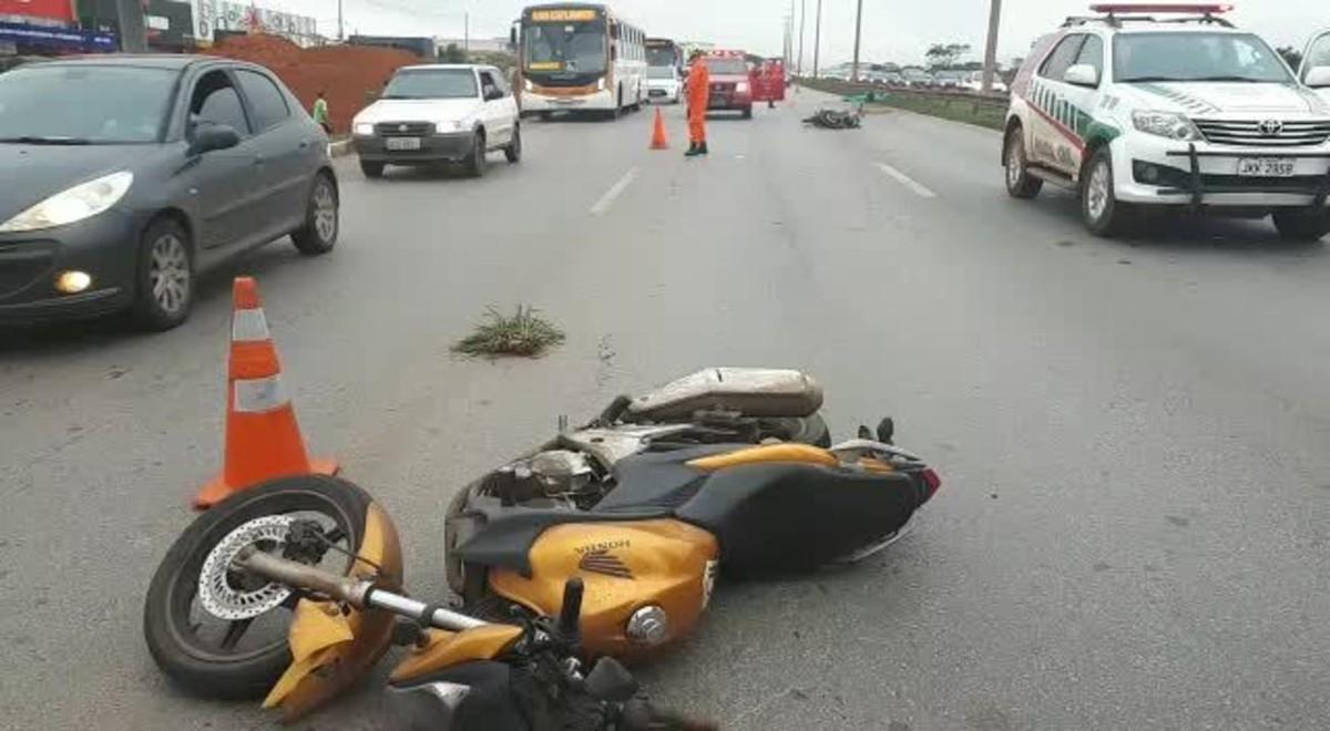 Acidente entre duas motos deixa um morto na Estrutural, no DF