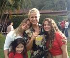 Ex-paquita Sorvetão e suas filhas  grava programa com Xuxa | Arquivo pessoal