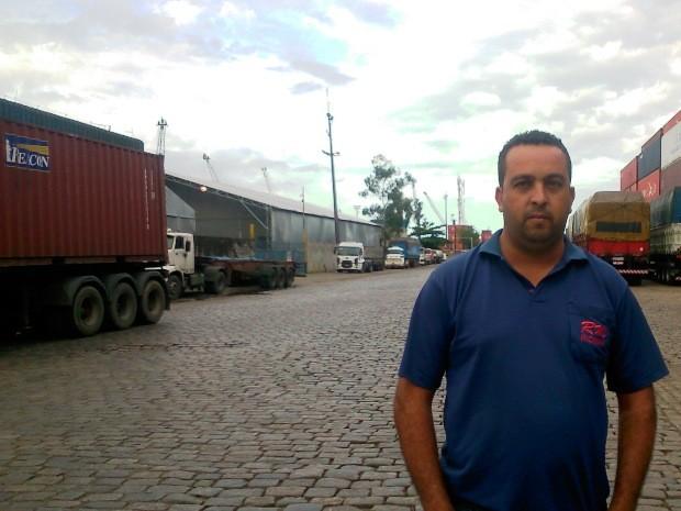 Motoristas calculam prejuízos com bloqueios (Foto: Guilherme Lucio/G1)