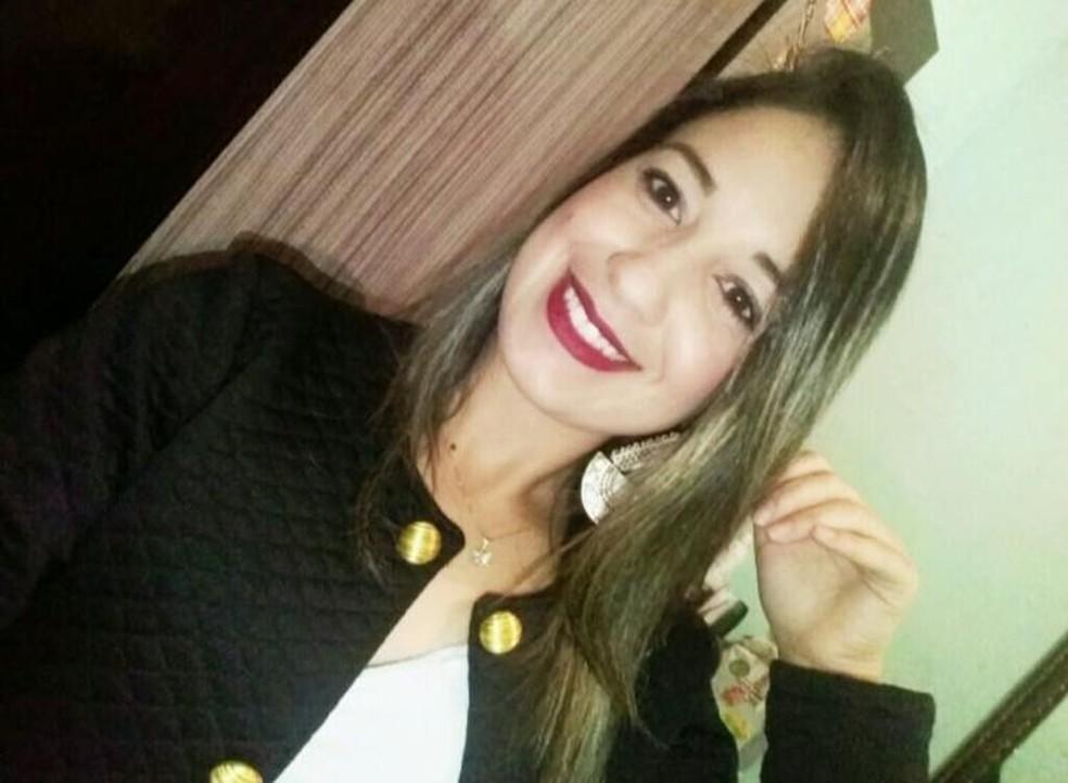 Tamires Nascimento, de 26 anos, morreu no acidente de ônibus que levava mineiros para passar o dia na praia de Copacabana, no Rio de Janeiro — Foto: Arquivo pessoal