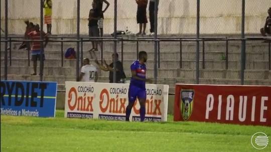 """Súmula relata torcedor chamando jogador de macaco, e atleta pede punição: """"Justiça seja tomada"""""""