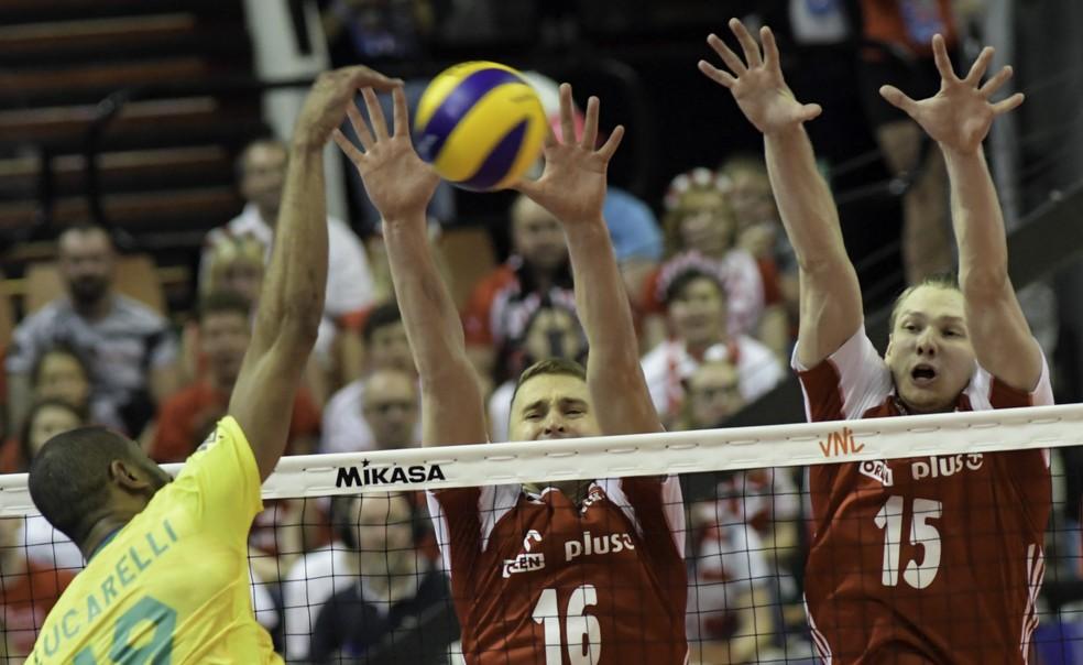 Brasil x Polônia duelam na Liga das Nações de vôlei em Katowice — Foto: FIVB