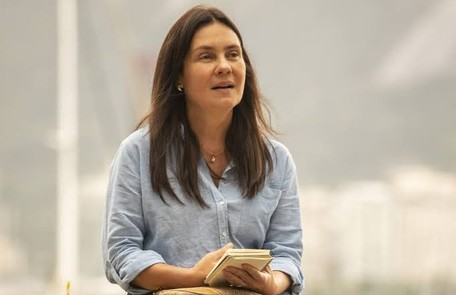 Na sexta (20), Thelma conhecerá o português Gabo (Felipe Duarte) e se encantará por ele Reprodução
