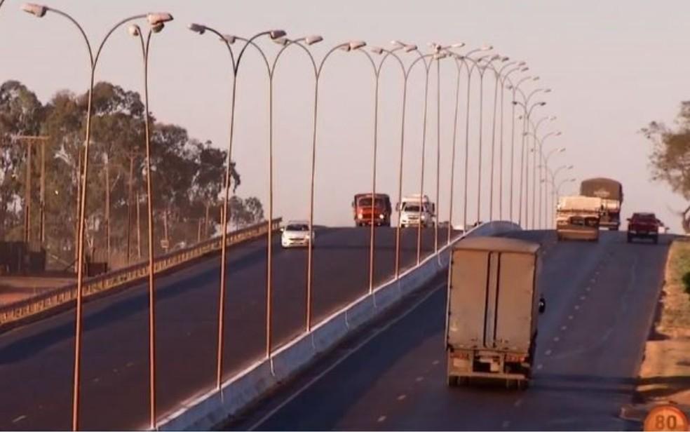 Dnit começa a instalar 50 radares em rodovias goianas. — Foto: Reprodução/TV Anhanguera
