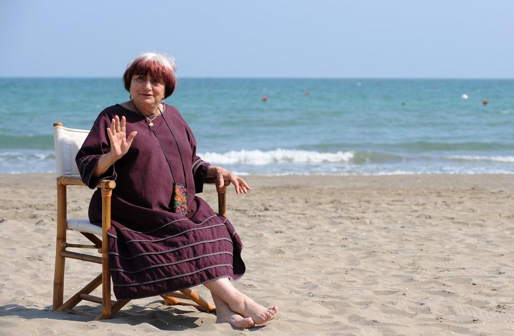 Agnès Varda posa durante o Festival de Cinema de Venice, em 2008 — Foto: ALBERTO PIZZOLI / AFP