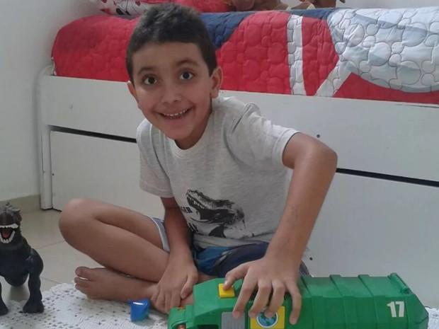 Luís Guilherme Caxias está em casa, em Goiás (Foto: Arquivo pessoal)