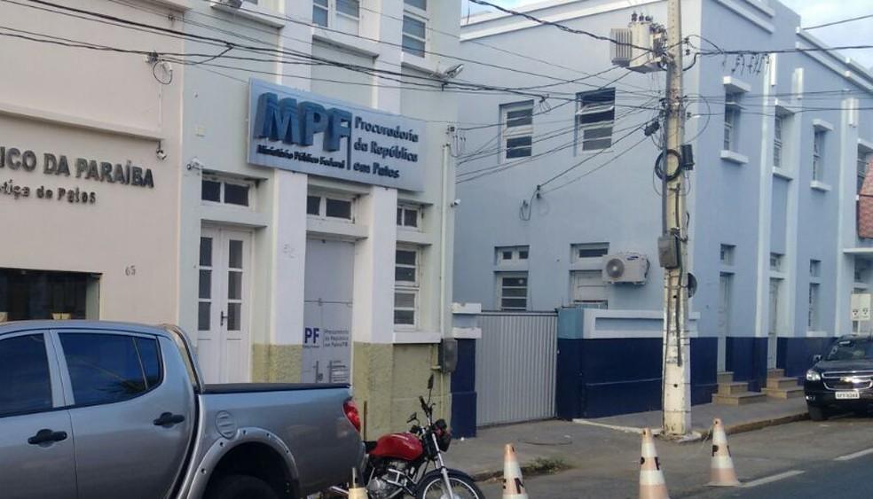 MPF em Patos ajuizou ação contra o prefeito de Cacimbas, PB — Foto: Rafaela Gomes/TV Paraíba