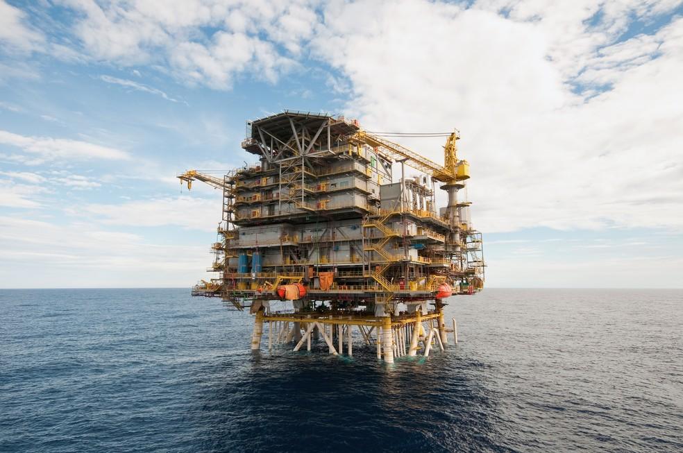 Resultado de imagem para Produção de petróleo no Brasil em julho cai 1,9% em relação a junho, diz ANP