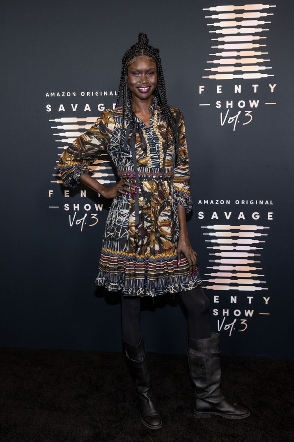 LOS ANGELES, CALIFORNIA - SEPTEMBER 22: In this image released on September 22, Alek Wek attends Rihanna's Savage X Fenty Show Vol. 3 presented by Amazon Prime Video at The Westin Bonaventure Hotel & Suites in Los Angeles, California; and broadcast on Sep (Foto: Getty Images for Rihanna's Savag)