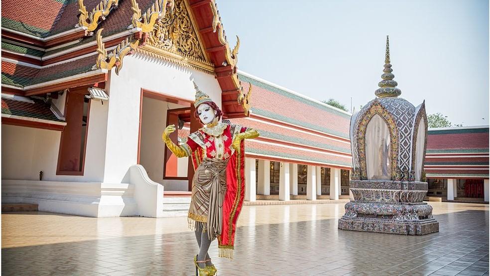 Minori foi convidada a visitar diversos países, incluindo a Tailândia, para mostrar sua arte (Foto: Teppei Takazawa / Minori)