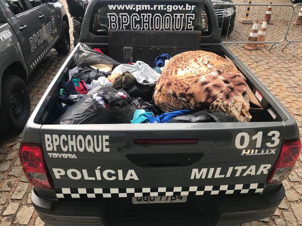 Material foi apreendido pelos PMs do Batalhão de Choque dentro do flat em Ponta Negra (Foto: Divulgação/PM)