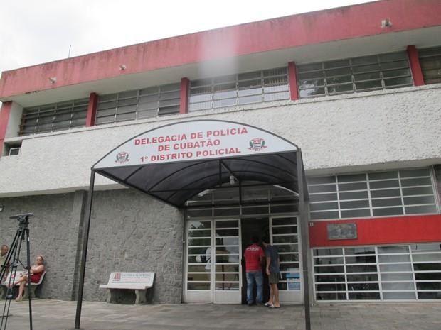 Homem suspeito de participar de assaltos em comércios é preso em Cubatão, SP