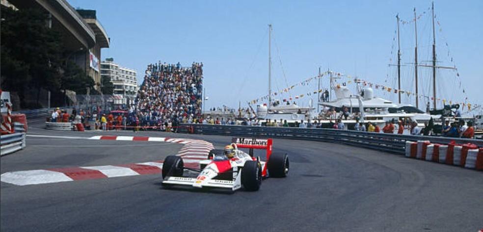 Senna tinha 55 segundos de vantagem quando abandonou GP de Mônaco de 1988 (Foto: Getty Images)