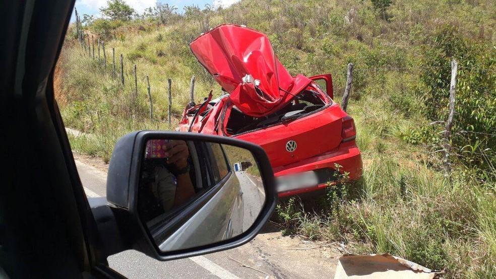 Parte do carro do vereador ficou destruída após o acidente, em Belém de Maria, nesta quarta-feira (27) â?? Foto: Polícia Militar/Divulgação