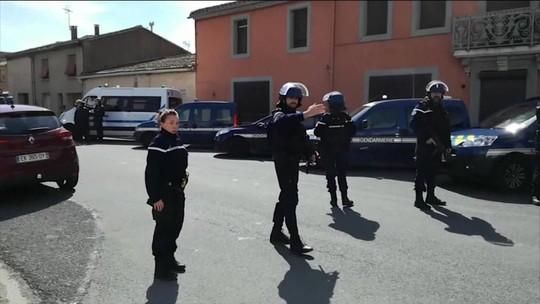 Homem invade mercado na França e exige libertação de terrorista