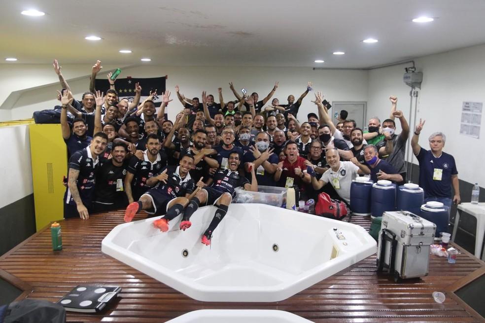 Remo comemora vitória no clássico 759 e acesso à Série B do Brasileiro — Foto: Keviin Duck/Remo
