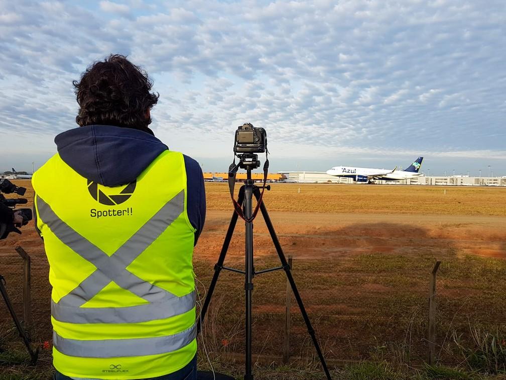 Avião pousa em Viracopos e é registrado no 'Spotter day', em Campinas. — Foto: Luciano Calafiori/G1