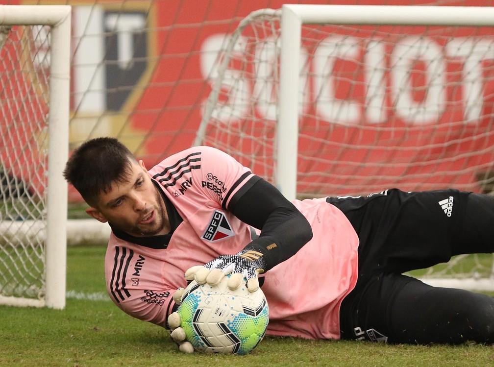 Tiago Volpi, goleiro do São Paulo — Foto: Rubens Chiri / saopaulofc.net