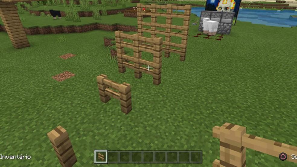Sozinhas, as Cercas de Minecraft são como postes, mas quando estão próximas se conectam em uma estrutura — Foto: Reprodução/Rafael Monteiro