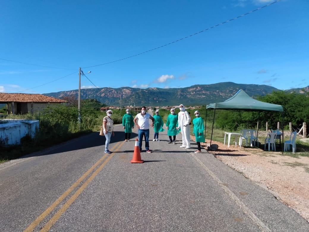 Barreira sanitária é instalada na entrada da cidade de Cacimba de Areia, PB