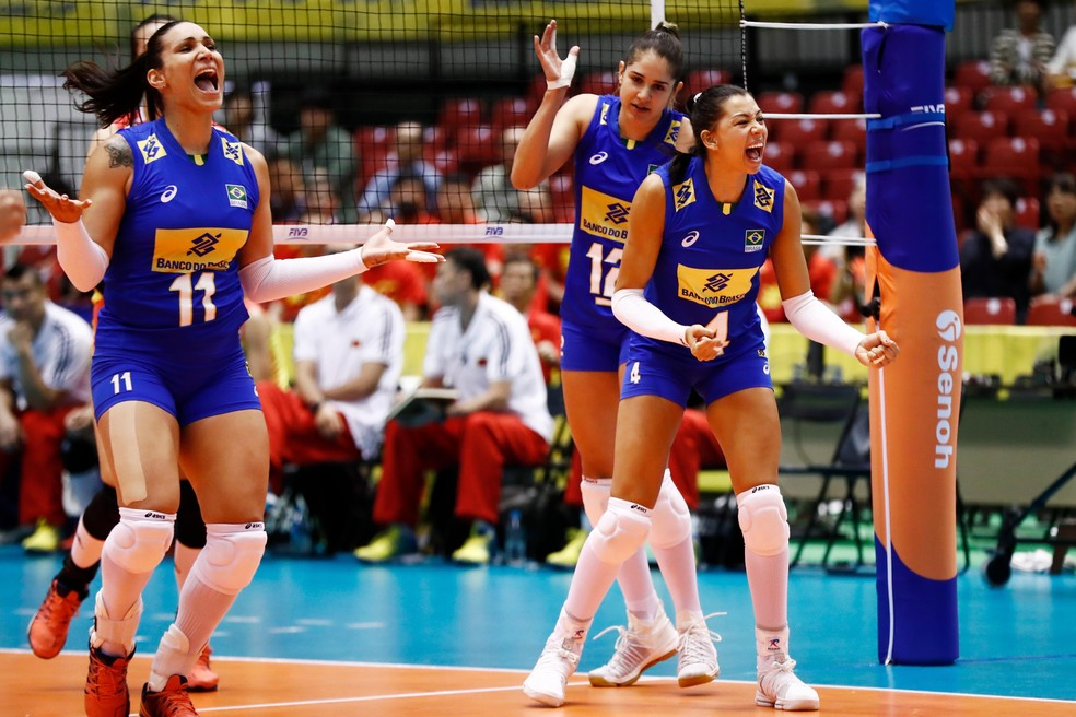 As meninas reagiram com força, mas caíram no fim (Foto: FIVB / Divulgação)