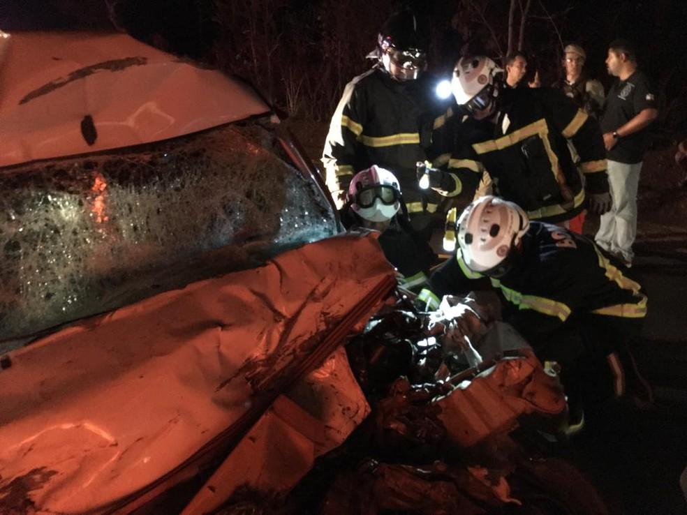 Motorista de carro morre após batida com caminhão no oeste da Bahia — Foto: Divulgação/Gazeta 5