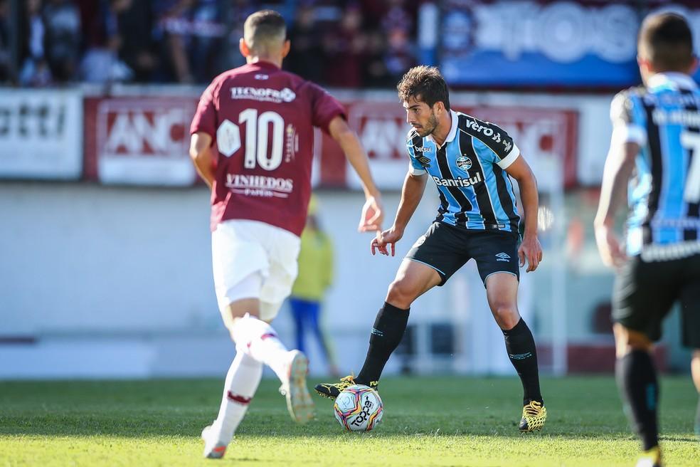 Três volantes não funcionaram neste sábado — Foto: Lucas Uebel/Grêmio