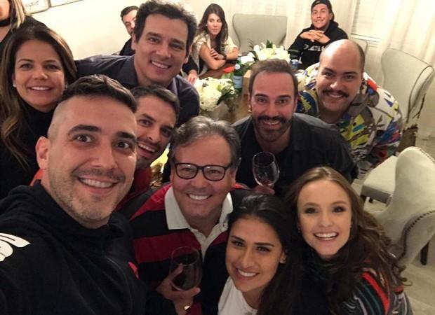Nívea Stelmann, André Marques, Celso Portiolli Simone, Tiago Abravanel e Larissa Manoela  (Foto: Reprodução/Instagram)