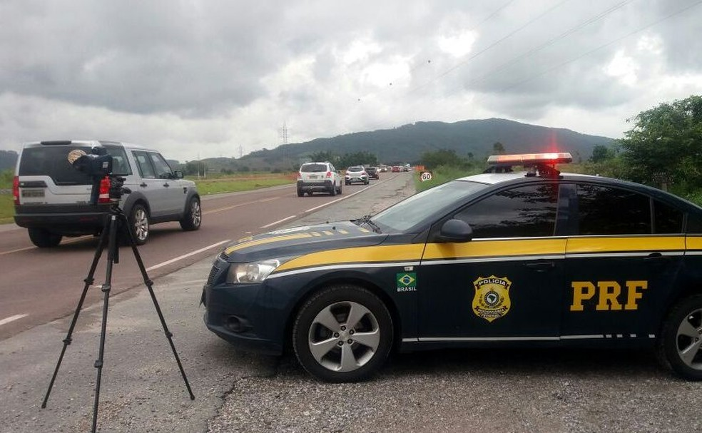 PRF suspendeu o uso de radares móveis em SC após determinação do Governo Federal — Foto: PRF/Divulgação