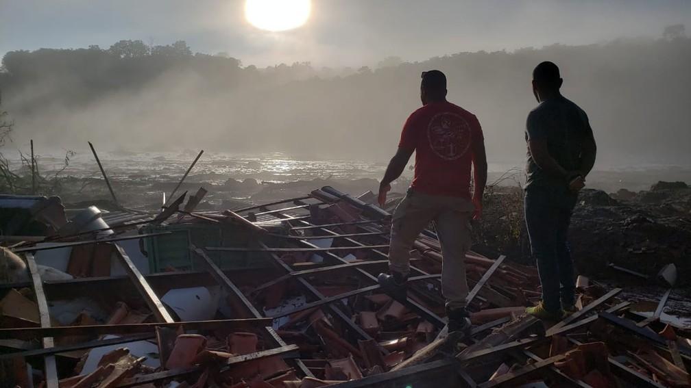 31 de janeiro - Sétimo dia das buscas em Brumadinho, MG — Foto: Raquel Freitas/G1