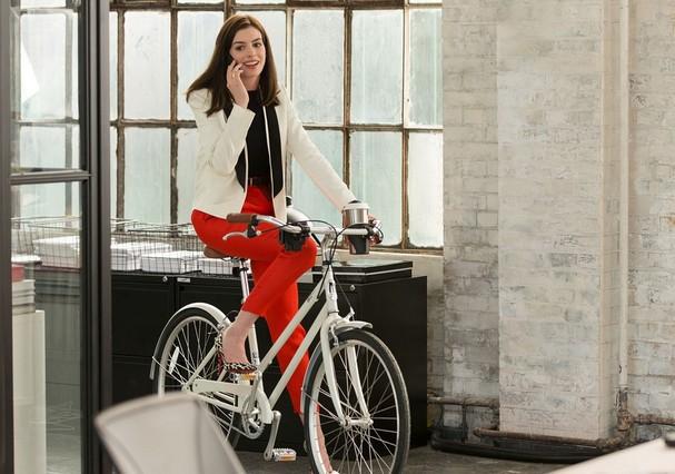Anne Hathaway, em Um Senhor Estagiário (Foto: Reprodução)