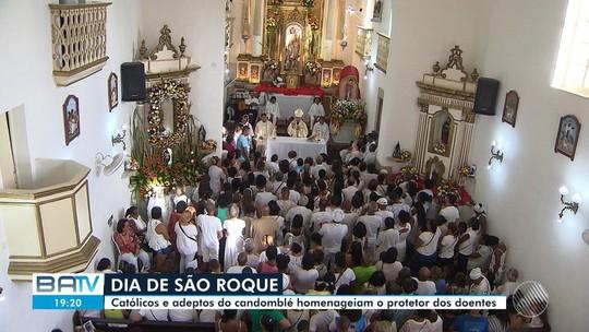 Católicos e adeptos do candomblé lotam igreja em homenagens a São Roque