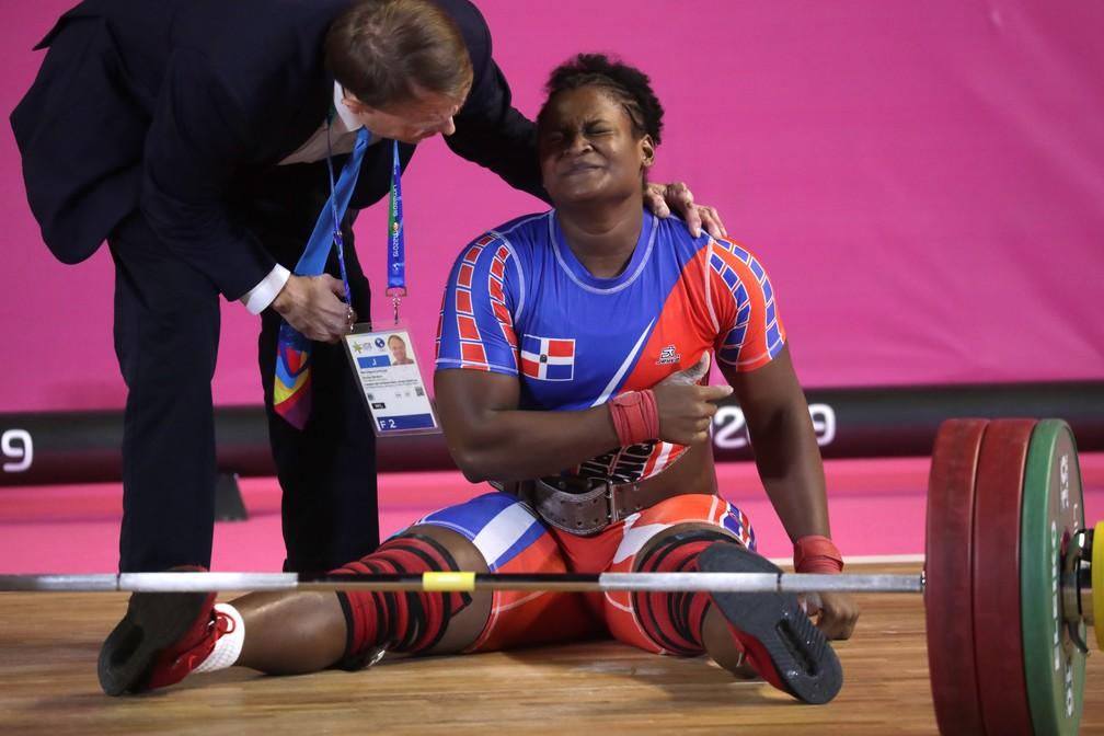 Crismery Santana braço machucado levantamento de peso Pan de Lima — Foto: REUTERS/Guadalupe Pardo