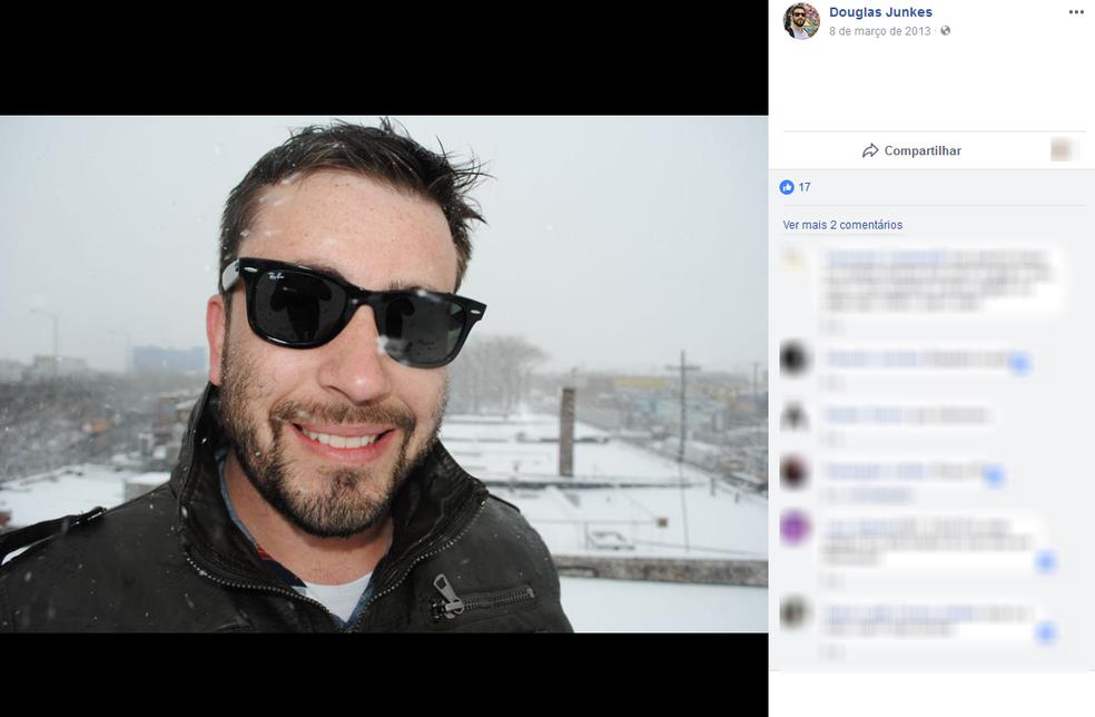 Douglas Reges Junckes, de 36 anos, morreu na hora (Foto: Reprodução/Facebook)