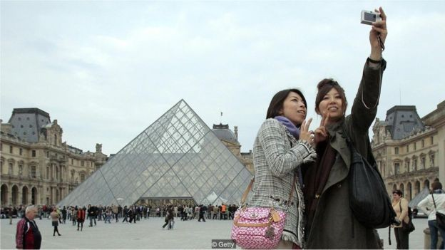 """""""Síndrome de Paris"""" surgiu quando turistas japoneses desenvolveram psicose, aparentemente ao perceberem que Paris não é a cidade dos seus sonhos (Foto: Getty Images)"""