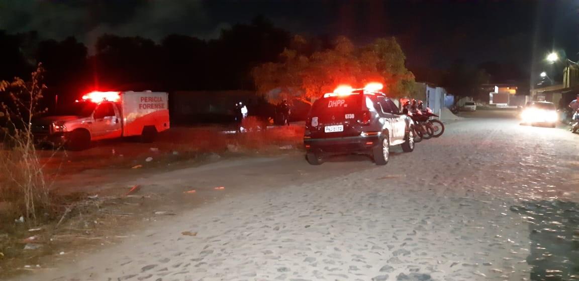 Adolescente de 15 anos é morto com diversos golpes de tijolo na cabeça em Caucaia, Grande Fortaleza